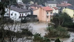 Coimbra em alerta. Caudal do rio Mondego ultrapassa limites de segurança e obriga a evacuar várias instituições