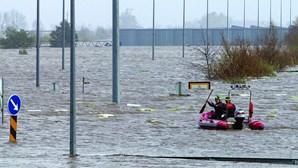 Diques falham no Baixo Mondego e ameaçam populações