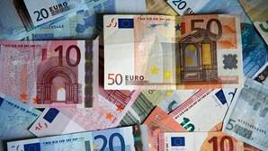 Portugal coloca 1.250 milhões de euros a três e 11 meses a juros mais baixos