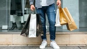 Centros comerciais com queda de 25,6% nas vendas na primeira semana de reabertura
