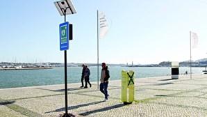 Desfibrilhadores instalados nas ruas de Portimão