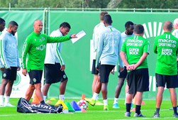 Silas é o treinador do Sporting