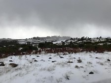 Neve pinta de branco Pico Ruivo na Madeira