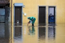 Zona ribeirinha da cidade de Águeda inundada