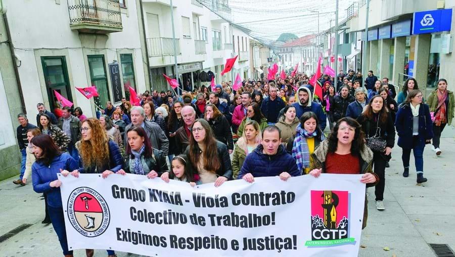 A manifestação juntou cerca de 150 trabalhadores do grupo Kyaia, ontem de manhã, em Paredes de Coura