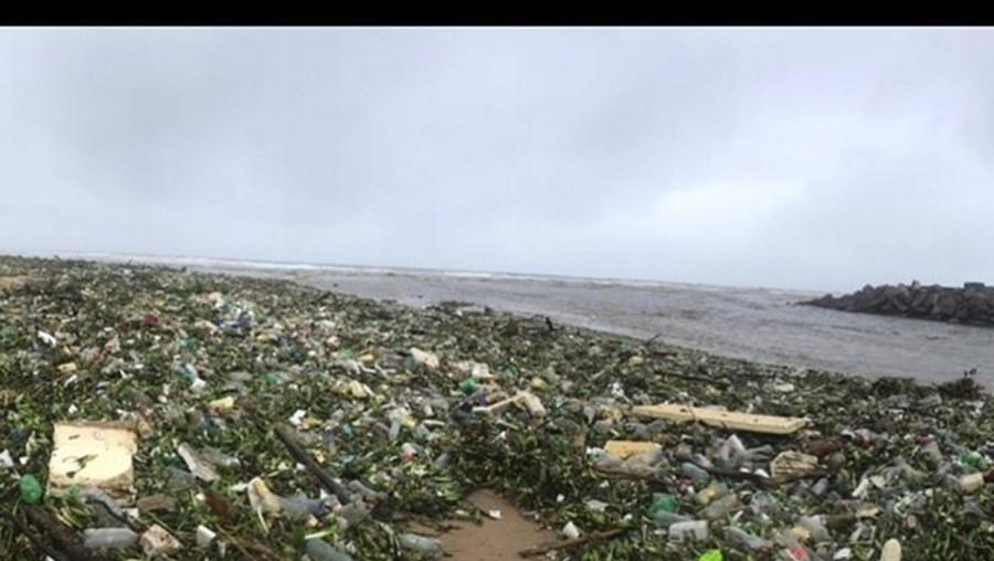 Areal da praia de Durban esta quinta-feira
