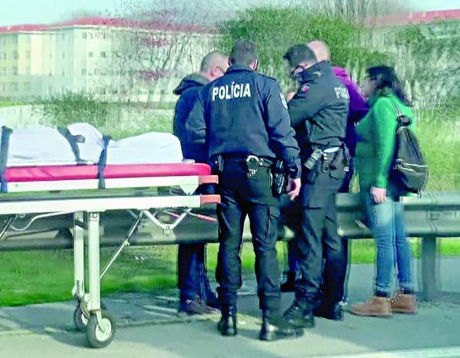 Corpo foi encontrado num descampado na zona de Francos