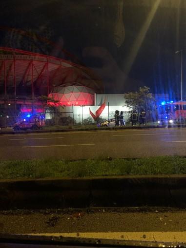 Despiste fere três jovens em Benfica