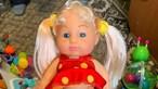 Boneca com pénis à venda em loja de brinquedos causa polémica