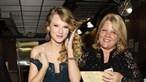 Taylor Swift vive drama com a mãe que luta contra tumor no cérebro