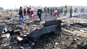 Agência Europeia para a Segurança da Aviação recomenda às companhias aéreas que evitem sobrevoar o Irão