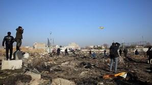 """Irão admite ter abatido avião ucraniano por engano e reconhece """"erro imperdoável"""""""