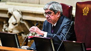 """Ferro Rodrigues apanhado a dar 'puxão de orelhas' sobre Covid-19 em lares: """"Não se apreenderam lições"""""""