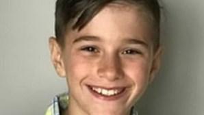 Menino de 11 anos morre de vírus da gripe que se espalhou para o coração