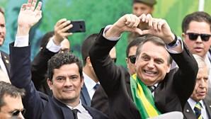 Generais do governo brasileiro tentam demover demissão de Sérgio Moro