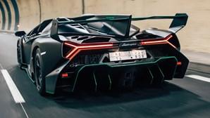 Ganhou o Euromilhões? Um dos nove Lamborghini Veneno Roadster vai a leilão
