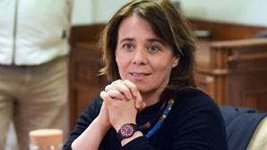 """Crise política é problema """"que não interessa a ninguém"""", diz Catarina Martins"""