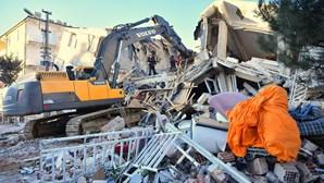 """Governo português """"lamenta profundamente"""" vítimas de sismo na Turquia"""