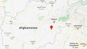 Avião com 83 pessoas a bordo cai no Afeganistão