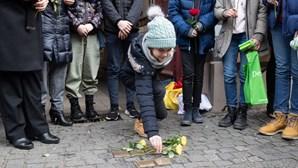 Alunos participam nas comemorações do 75.º aniversário da libertação do campo de concentração de Auschwitz