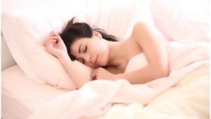 Especialista diz que sono, exercício e alimentação podem ajudar a gerir stress provocado pela pandemia