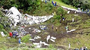 Mulher detida por falhas na segurança do avião que se despenhou com a equipa do Chapecoense a bordo
