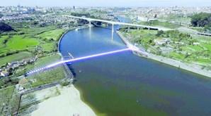 Futura ponte fará a ligação entre a zona do Areinho de Oliveira do Douro, em Vila Nova de Gaia, e Campanhã, no Porto