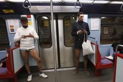 Cuecas de todas as cores e feitios no Dia Mundial sem Calças
