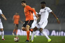 Rio Ave vence em Guimarães e sobe ao quinto lugar da I Liga