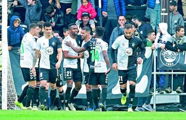 Nacional E Farense Regressam A Primeira Liga De Futebol Futebol Correio Da Manha