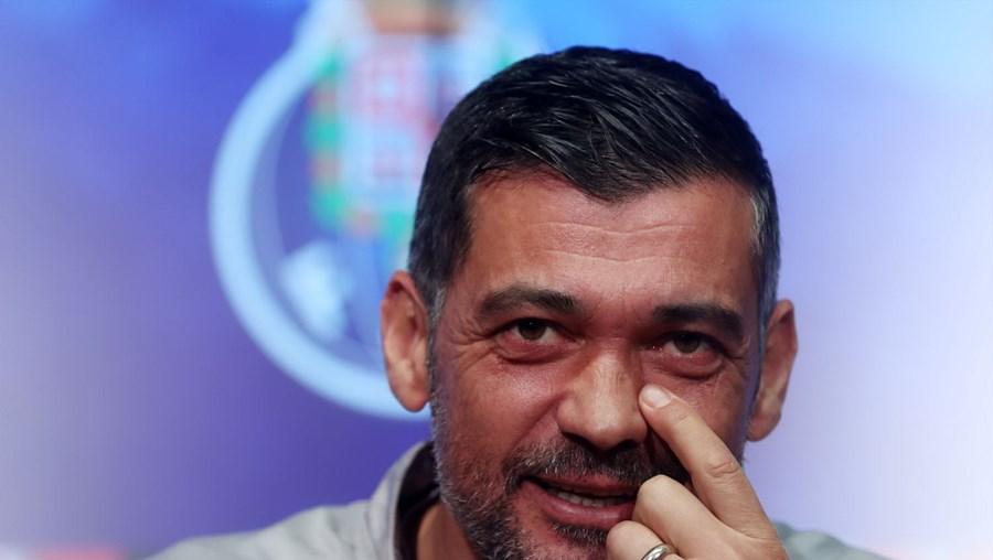 Sérgio Conceição divide favoritismo para jogo com o Sporting