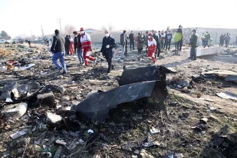 Avião ucraniano com pelo menos 170 pessoas a bordo cai em Teerão