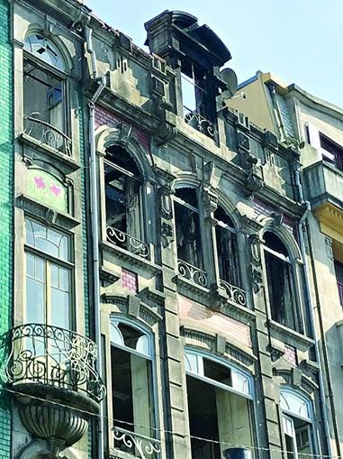 Empresário chinês manda incendiar prédio do Porto