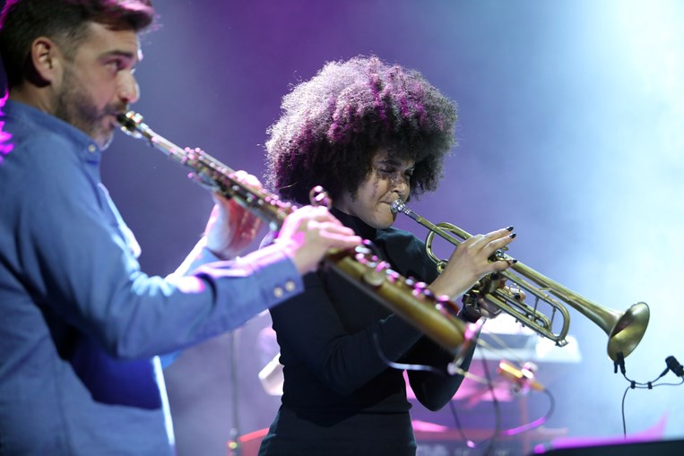 Cantor cabo-verdiano Miroca Paris dá grande espetáculo em Lisboa