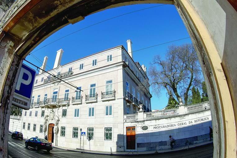 A Procuradoria vai colaborar na investigação desenvolvida a Isabel dos  Santos