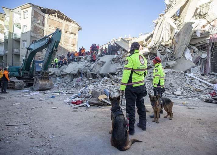 Sismo de magnitude 6,8 sentido no leste da Turquia