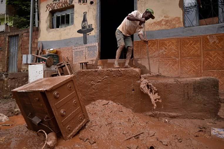 Chuvas fortes provocam 45 mortos em Minas Gerais