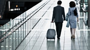 Colômbia autoriza reabertura gradual de voos internacionais
