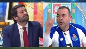 """""""Sinto-me defraudado, enganado e vigarizado"""": Aníbal Pinto não aceita recusa de Ventura de cumprir aposta"""