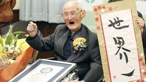 """Homem de 112 anos coroado pelo Guiness como o mais velho do Mundo revela """"fórmula mágica"""""""
