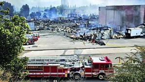 Originais de Elton John e Nirvana destruídos em incêndio em 2008