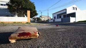 Jogo de bilhar acaba em rixa e homem morre esfaqueado em Sintra
