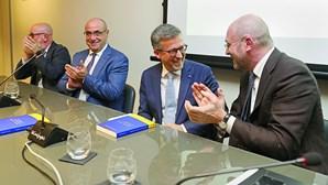 Passos Coelho critica António Costa em apresentação de livro de Carlos Moedas
