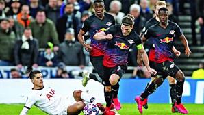 Mourinho em apuros após derrota do Tottenham na Liga dos Campeões