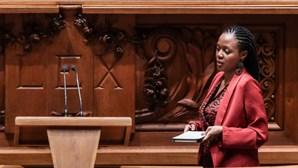 Joacine quer campanha antirracista e programa para integração de minorias