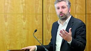 """Ministro diz que Porto e Norte """"são demasiado importantes para que TAP não olhe para região com respeito"""""""