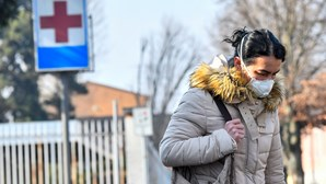 """Coronavírus faz disparar vendas de livros """"A peste"""" e """"Ensaio sobre a cegueira"""" em Itália"""