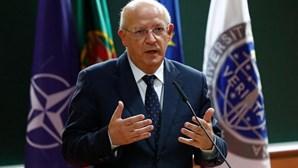 """Ministro deixa aviso sobre evolução da Covid-19 em Portugal: """"É preciso esforço grande agora para salvar o Natal"""""""