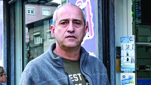 Paulo Carboila, gerente da Loja Mundo Lógico, queixa-se que é difícil explicar casos de assalto à seguradora