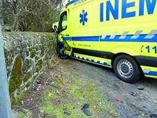Jovem de 25 anos morre em colisão com ambulância
